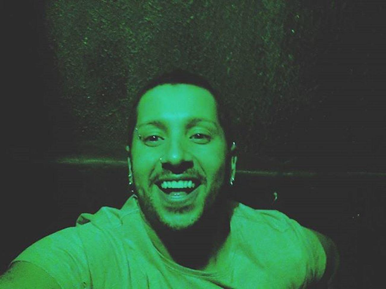 Green... Instagram Amigos Party Domingão Domingodesol Bebedeira Alcool  Cerveja Breja Beer Blackwhite Blackandwhite Me Myself Selfie Terracodoleo Freicaneca Terracodoleo Saopaulo SP Saooutrospaulos