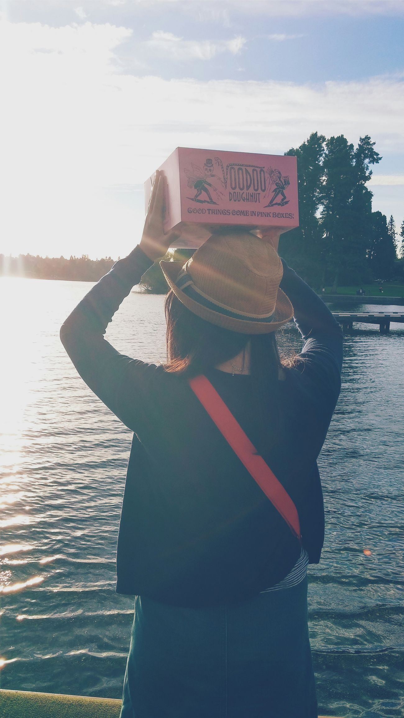 Friend Donuts Summer Views Captured Moment Vscocam VSCO Seattle Mobilephotography Bestoftheday Enjoying The Sunset