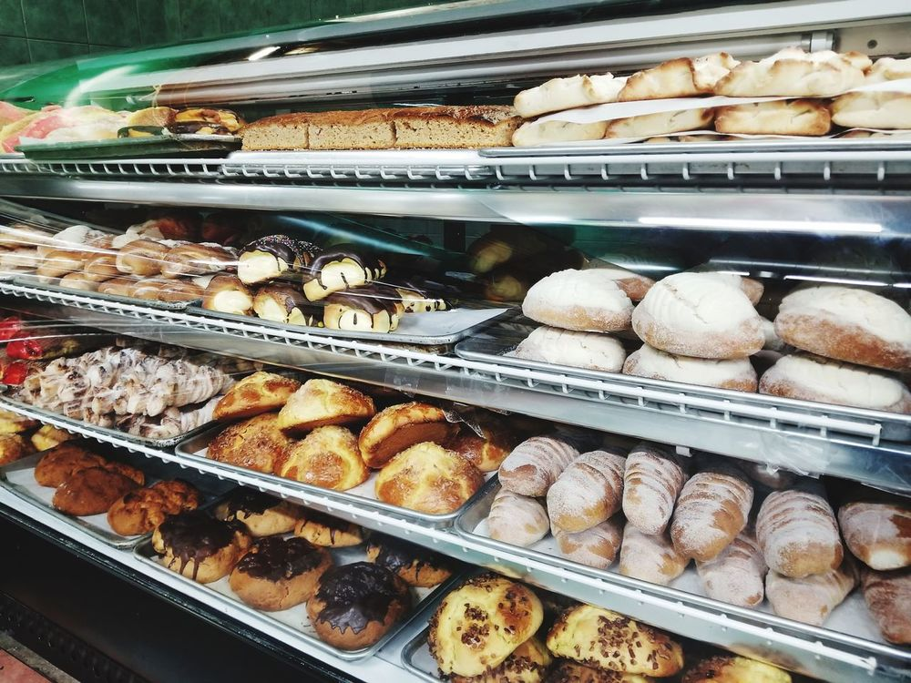 Food Retail  Variation Food And Drink Abundance Bakery Business Finance And Industry No People For Sale Choice Dessert Store Freshness Indoors  Sweet Food Large Group Of Objects Temptation Shelf Day Close-up Bread Mexican Bread