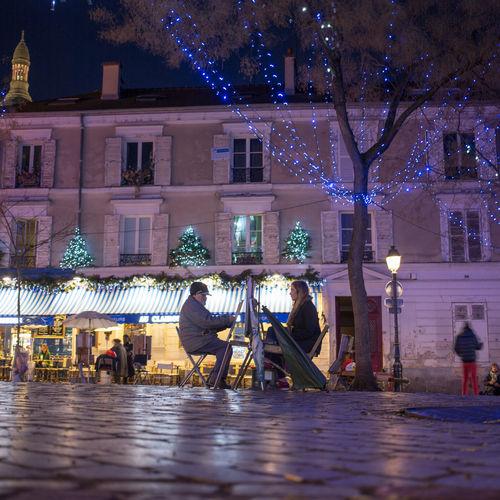 Portrait Place Du Tertre Peintre Montmartre