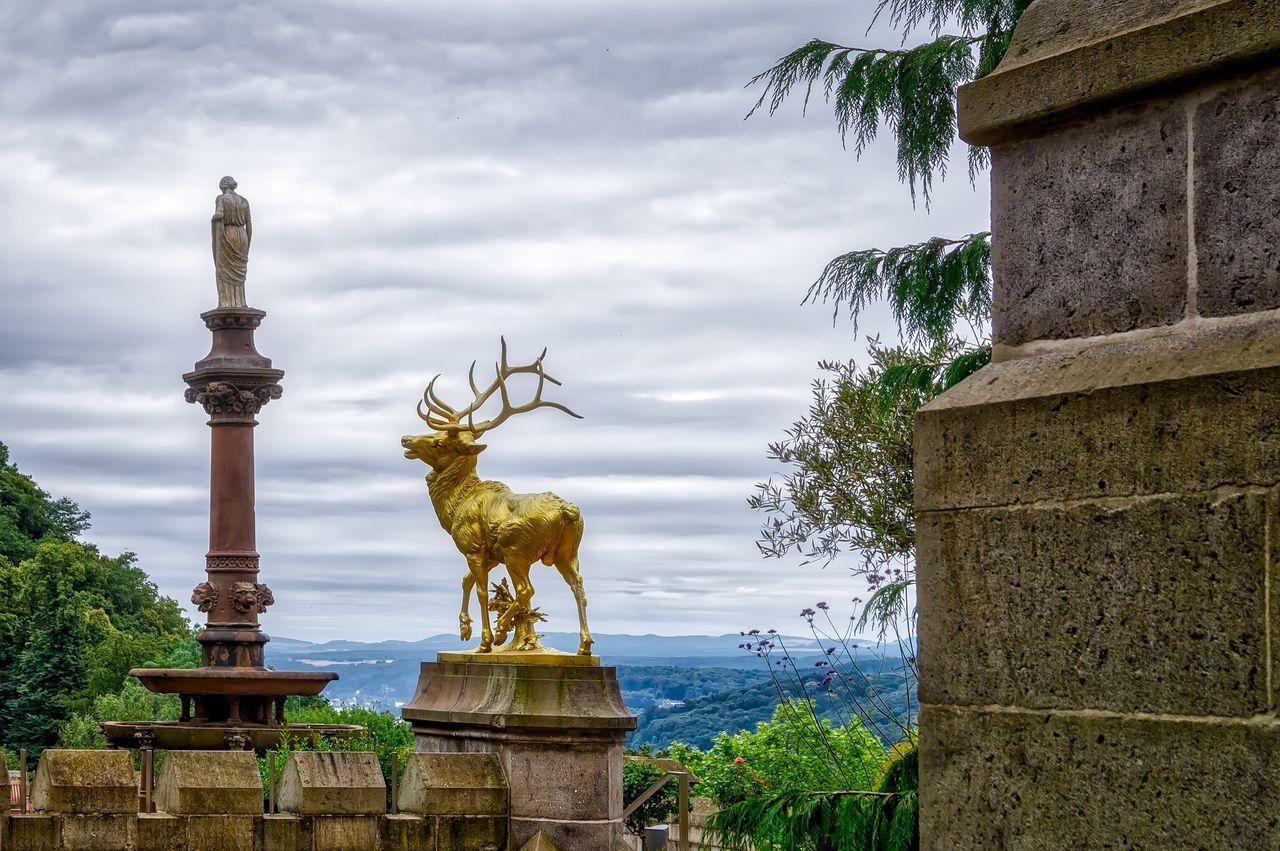 Hirsch Statue Statues Woman Landscape Art Architecture Golden Deer Pillars