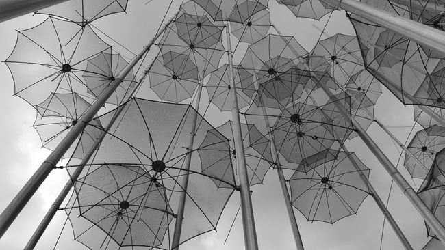 Monochrome Photography Lookingup Umbrellas Majestic Cloud - Sky Monochromatic Beauty In Nature Look Up And Thrive Blackandwhite Umbrella Full Frame Tall - High Low Angle View Outdoors Eye4photography  EyeEm Gallery Check This Out Art Architectural Feature Seeing The Sights Citysights Pattern Pieces Everything In Its Place Outdoor Photography Morning Sky