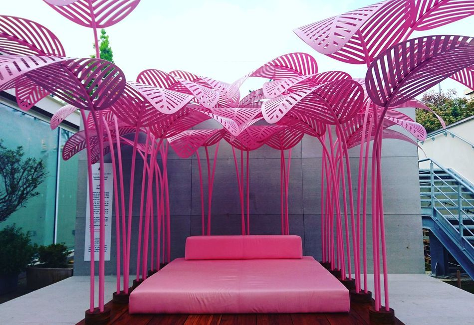 Pink dreams Outdoors Architecture Luxury Minimalism Contemporary Fuorisalone Fuorisalonemilano Design Week 2017 Design Photo Design Milan Design Week Milan Design Week 2017 Design Week Fuorisalonemilano2017 Milan Pink Bed
