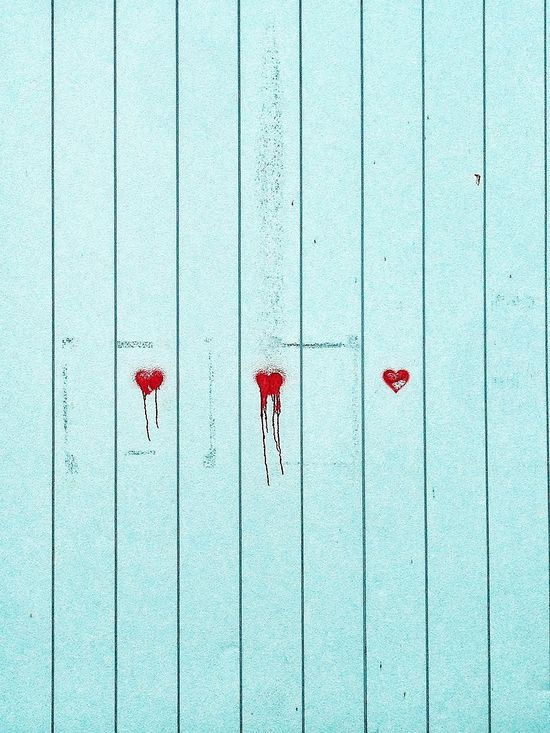 IPhone Hearts Wall BLOODY