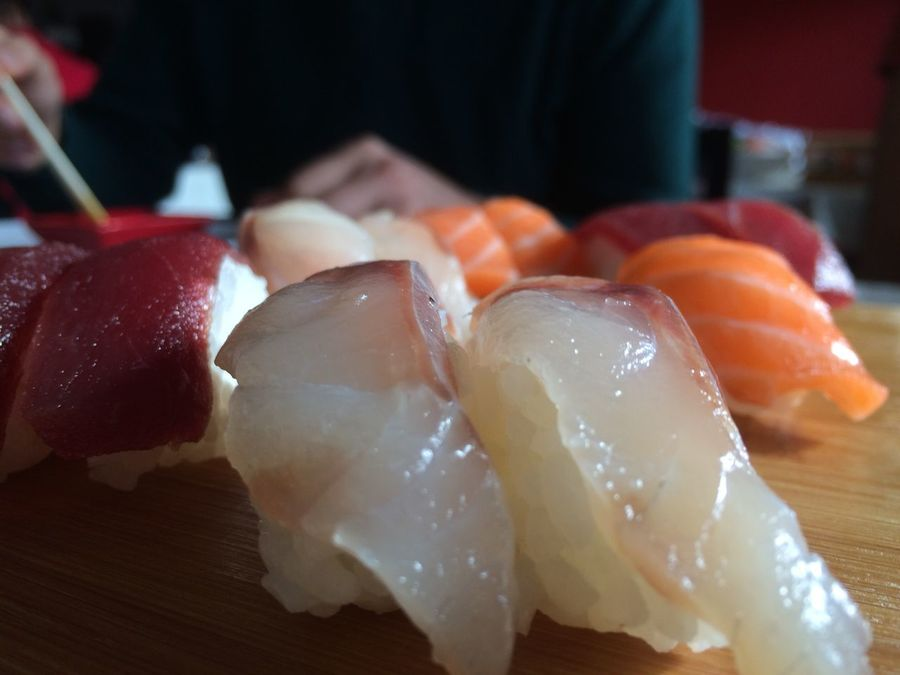 Show Us Your Takeaway! Sushi Time Sushi Lovesushi  Nigiri Nigiri Sushi Salmon Sushi Tuna Sushi Sushitime Delicious