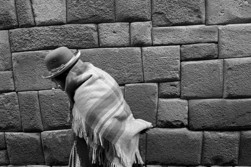 Black & White Black And White Black And White Photography Blackandwhite Blackandwhite Photography Blackandwhitephotography Blue Brick Wall Can Canon 70d Canonphotography Close-up Monochromatic Monochrome Monochrome _ Collection Monochrome_life Outdoors Street Photography Streetphoto_bw Streetphotography Up Close Street Photography Peru Cusco The Street Photographer - 2016 EyeEm Awards
