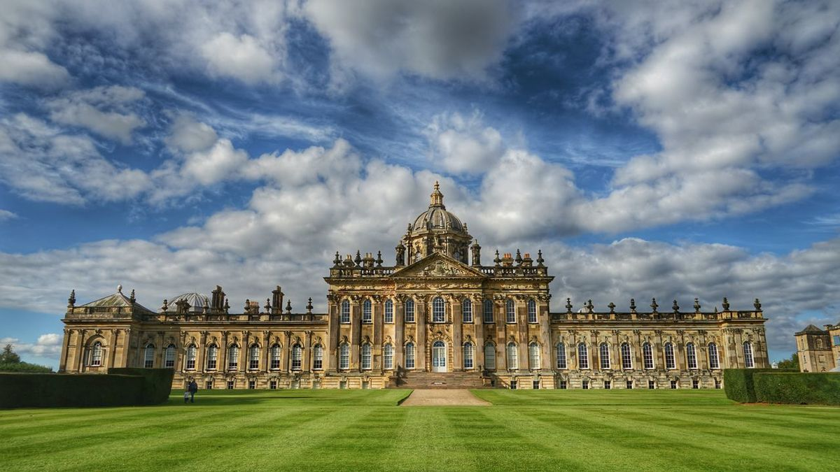 England🇬🇧 Travel Photography Gardens Castle Howard Sky And Clouds 英国 城堡 蓝天白云 旅行摄影 Architecture_collection Amazing EyeEm Best Shots Garden Photography Psychedelic The Architect - 2016 EyeEm Awards