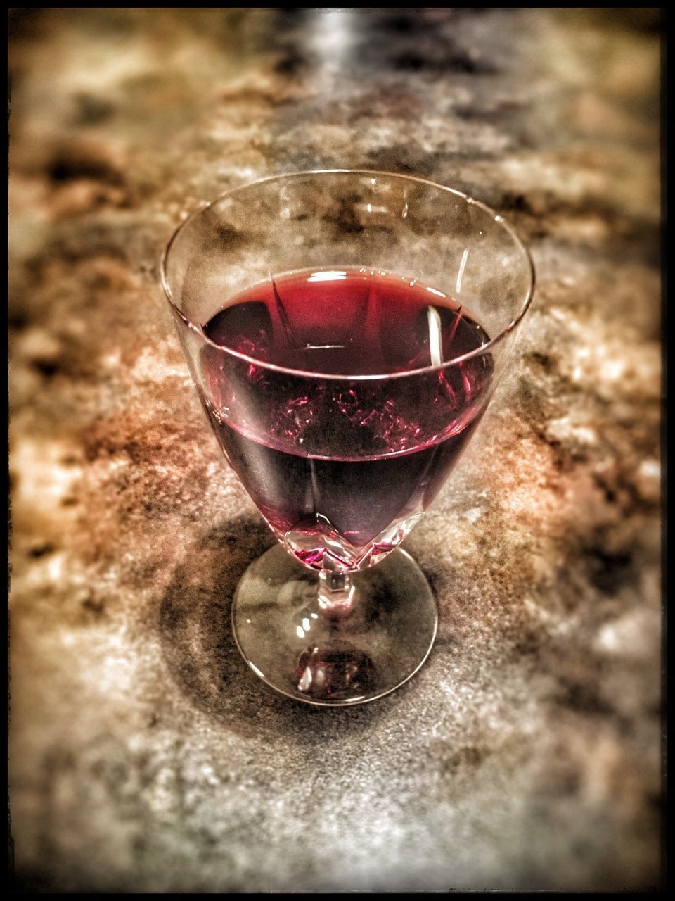 wineglass, wine, alcohol, red wine, no people, drink, table, refreshment, close-up, food and drink, indoors, drinking glass, day, freshness