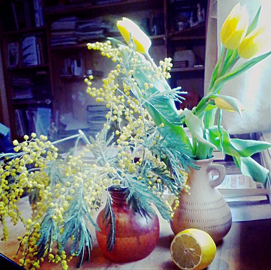 Yellow Flower Vase Plant Indoors  Freshness No People Nature Growth Fragility Healthy Eating Close-up Beauty In Nature Flower Arrangement Flower Head Day I Like too bright to be chosen :)