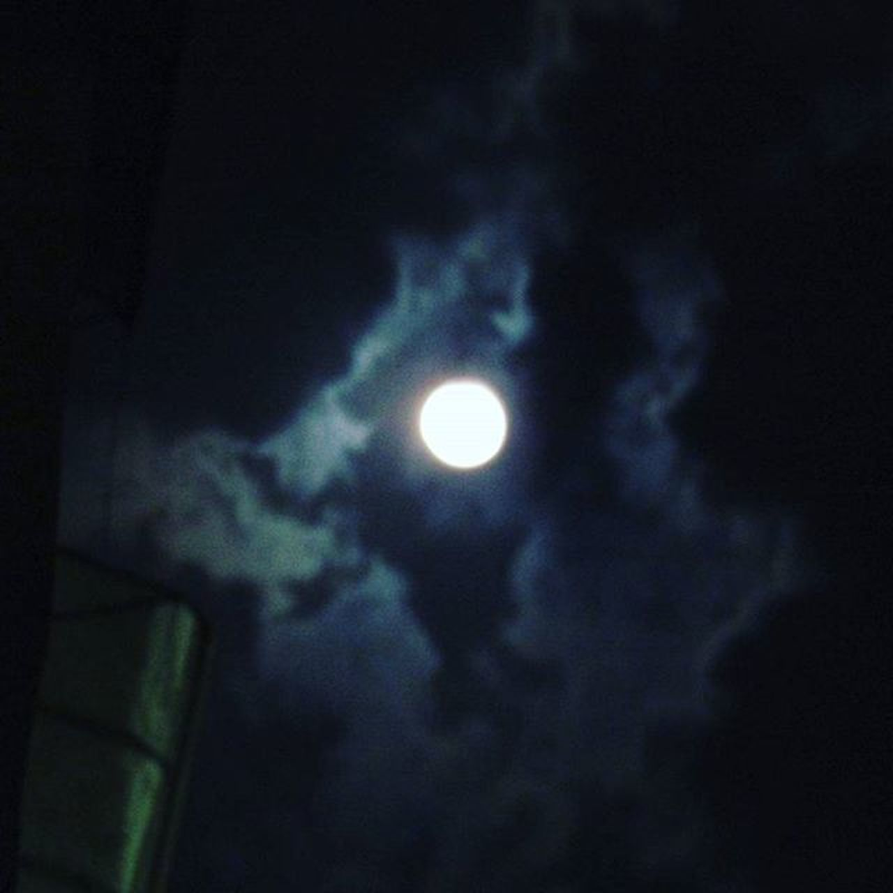 Wow..... Isn't she so beautiful.... All night long fighting with clouds... At the end of the day... She wons. We have to learn from nature how to live & fight for survival. Lunarshots Fullmoon Darkclouds Gratitude Thankgodforlife