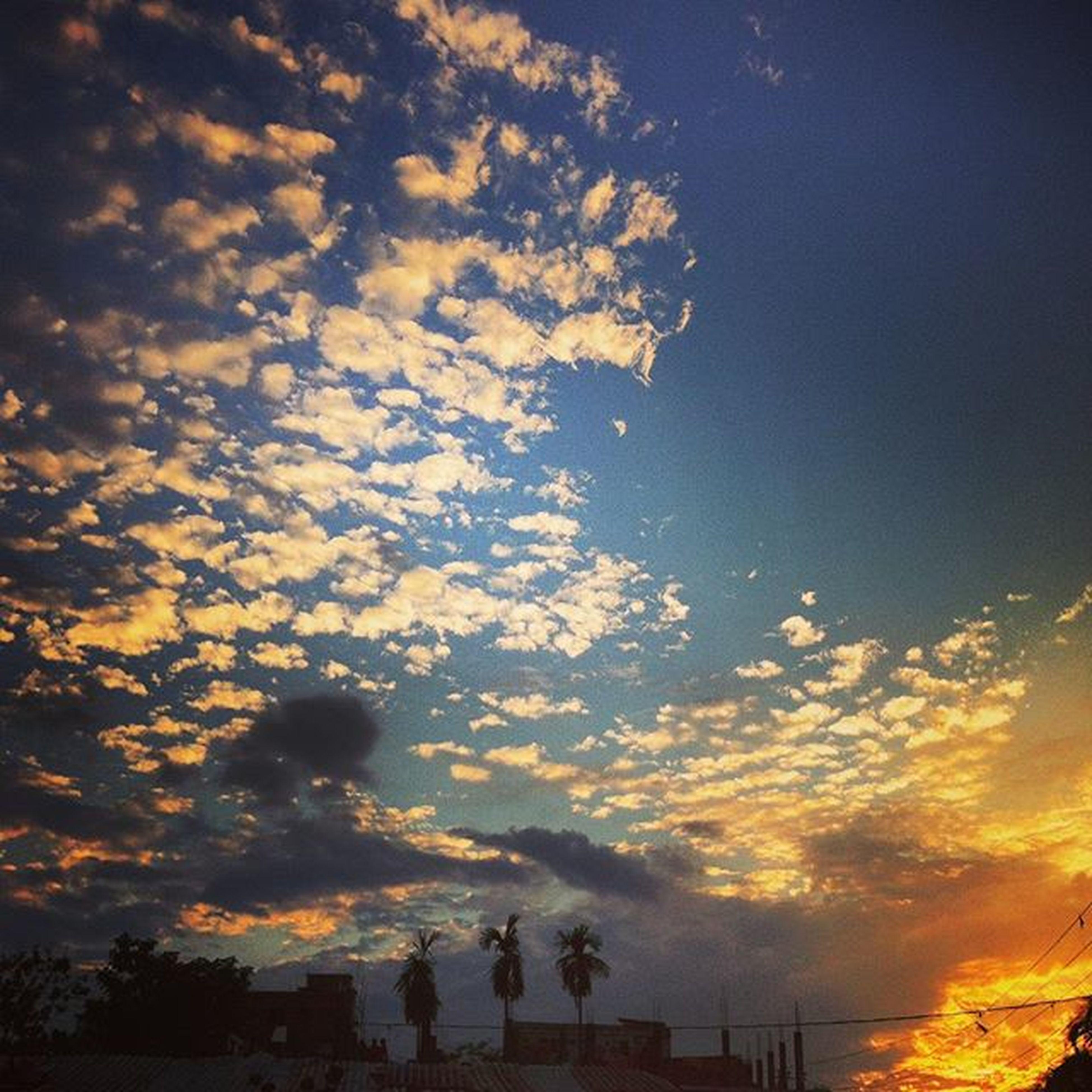 sky art ! 13.10.2015 Js Jashimsalam Photos Photographer Photojournalist Documentary Light Sky Art Cloud Sunset Instgram Sunset Instaart Natgeo Chittagong Skyscspe Landscape Everydaybangladesh