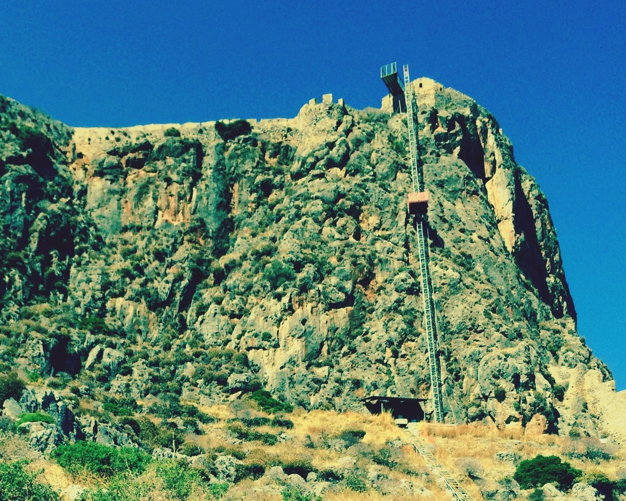 Almost trapped... Castle Rock Going To Work Mechanical Box = Elevator 50m Ascending Non Stop  HighTimes Scary Memories From My Point Of View Monemvasia
