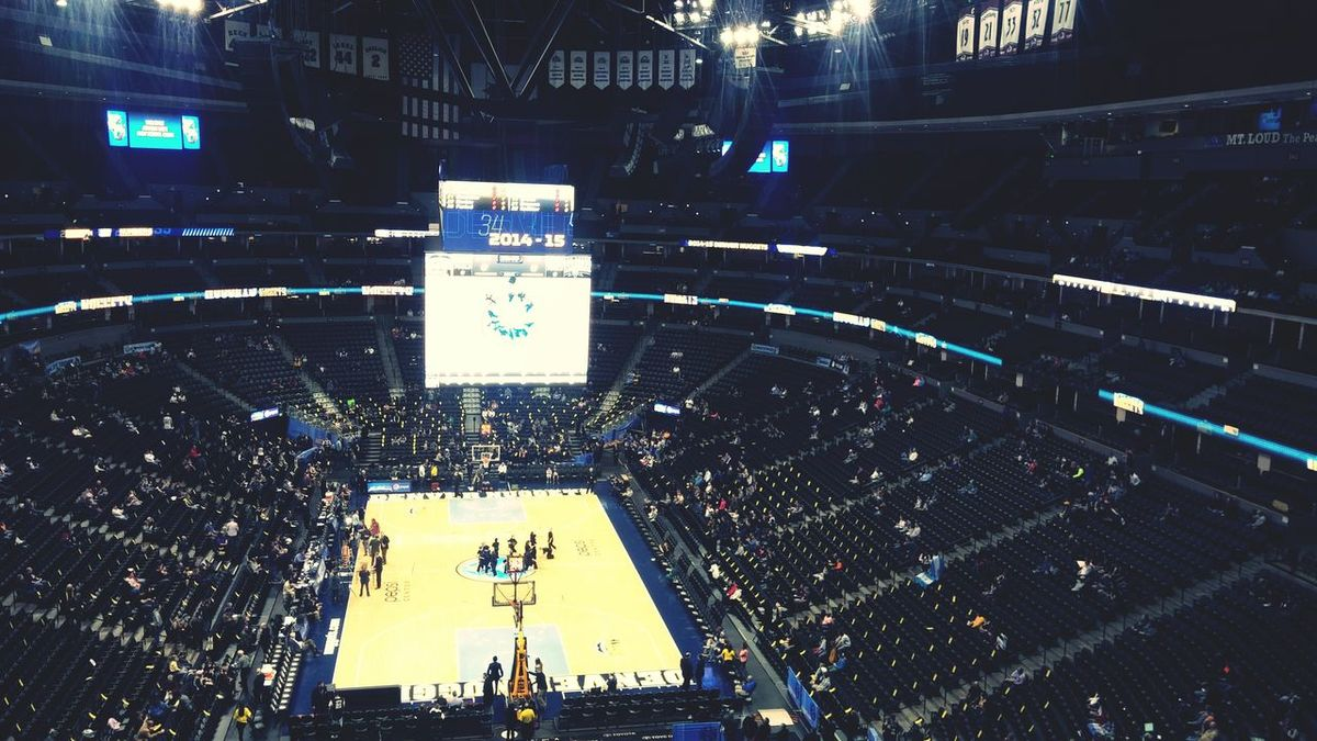 The Nuggets lost by 43 points last night, so tonight we came to catch them lose to the Spurs.