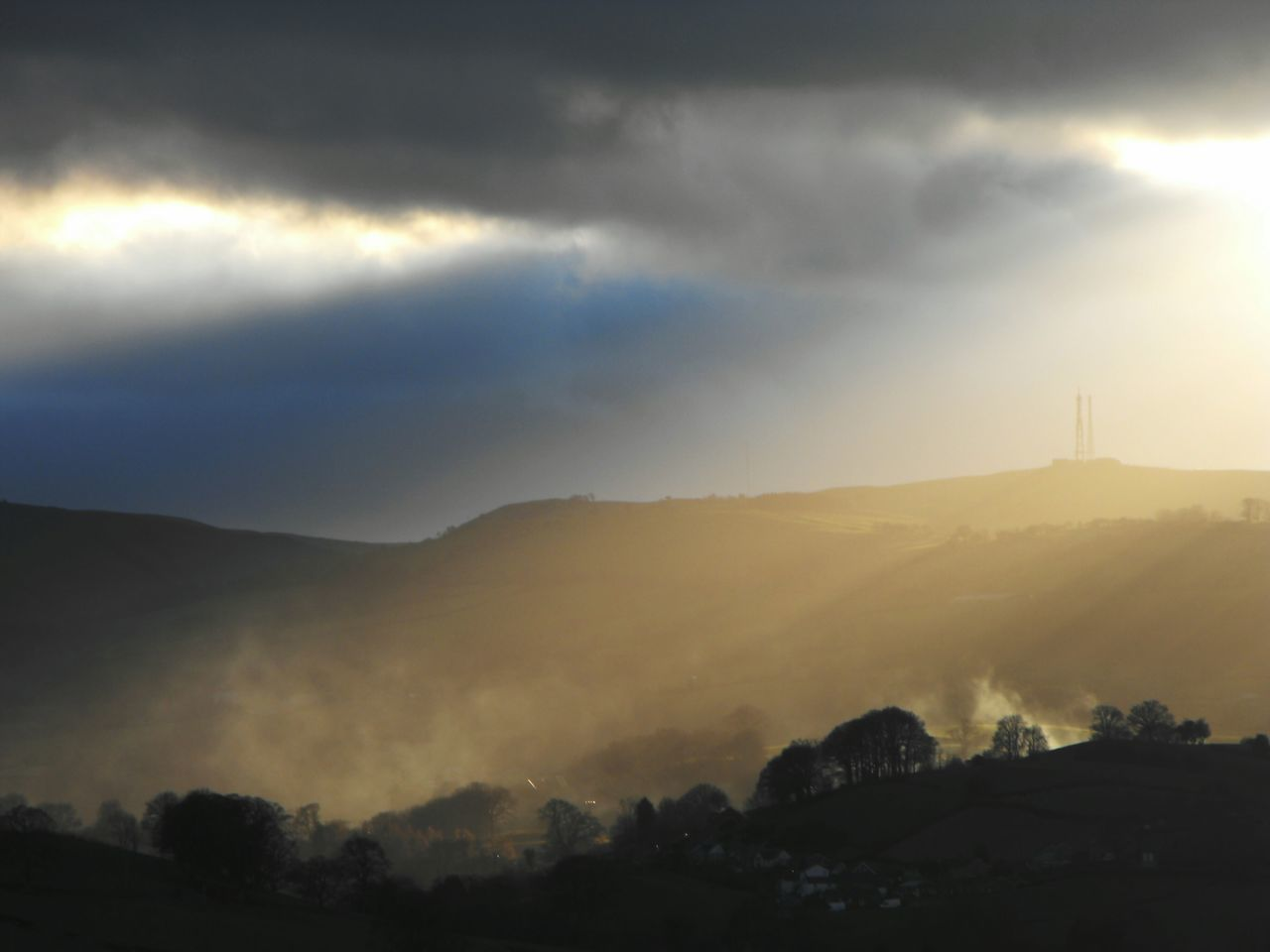 ... Evening Light Miles Away Newtown Powys Mountain Nature Sunbeam Tree Sunset Sunlight Fog Landscape Silhouette Tranquility Cloud - Sky Beauty In Nature Forest Dramatic Sky No People Scenics Outdoors Sky Beams Of Light Rays Of Light Beautiful