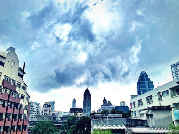 🏫🏤🏡 Bangkok Thailand. Building Buildings & Sky Morning View Relaxing Moments Skyandclouds  Takeabreak Photography Likeforlike #likemyphoto #qlikemyphotos #like4like #likemypic #likeback #ilikeback #10likes #50likes #100likes #20likes #likere