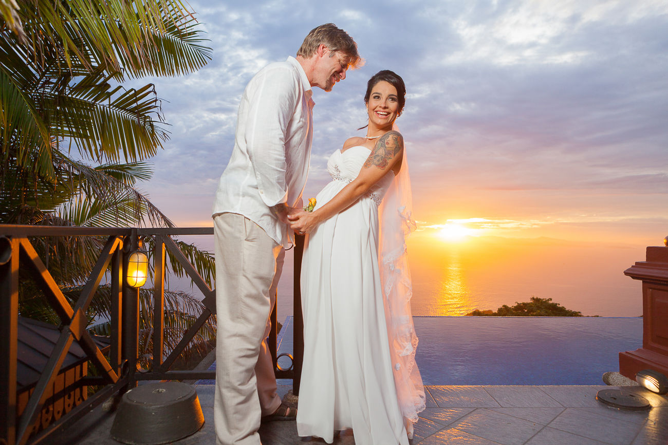 Endless Summer Love Bride Cloud - Sky Full Length Heterosexual Couple Hotel Leisure Activity Live For The Story Love Luxury Luxury Hotel Married Men Nature Palm Tree Romance Sea Standing Sunset Togetherness Tourist Resort Tropical Climate Two People Vacations Wedding Women