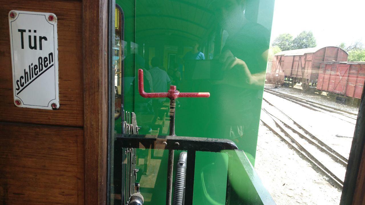 Fahrt mit dem Stainzer Flascherlzug, mit einer Dampflok City Close-up Dampflok Day Flascherlzug Focus On Foreground Green Color Hebel Outdoors Part Of RAD