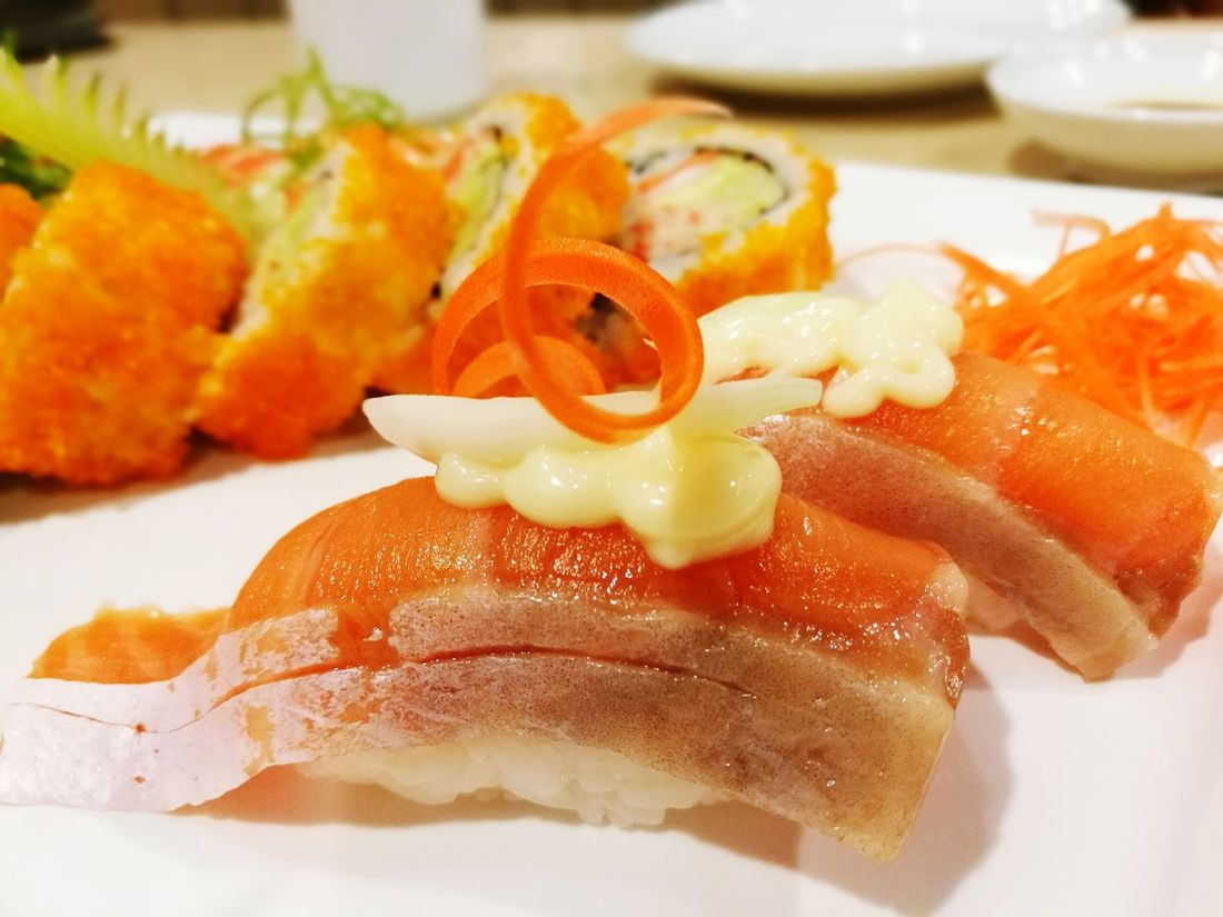 Salmon Sashimi Close-up No People Sushi Asian Food Ready-to-eat Healthy Eating Freshness Salmon Sashimi SalmonLove Salmonsushi Salmon Sushi Salmonmaki Makimaki Japanese  Japanese  Japanese  Salmon Dinner Japanese Food Bangkok Thailand.