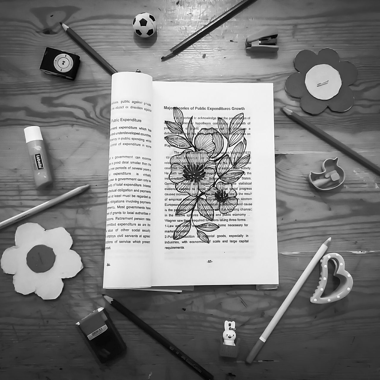 Pencil Wood - Material Indoors  No People Paper Drawing By Me Drawing Drawing Time Books Booklover Black And White Styling Photography Composition Messing Around Mess Elements Of Decor Arranged Objects Object Photography Doodle Doodle Art EyeEmNewHere