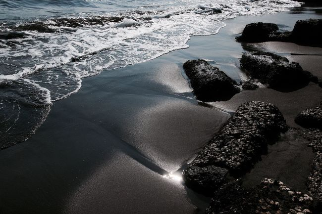 Shine Seascape Reflection Water Reflections EyeEm Nature Lover Wave Nature EyeEm Best Shots EyeEm Gallery Sea Sea_collection Light And Shadow Waves, Ocean, Nature Life Is A Beach From My Point Of View Silhouette