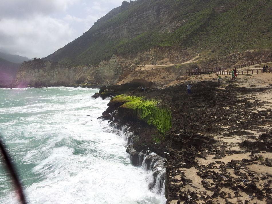 Boom boom bang! Waves Beautiful Wave Turmoil