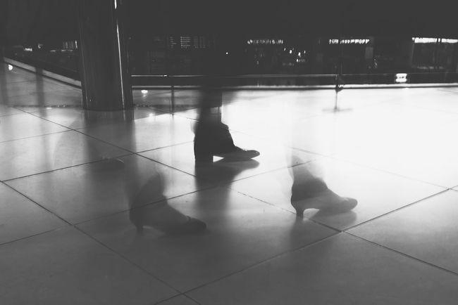 20150308 suwon subway station Taking Photos 수원 Footwork Foot Korea