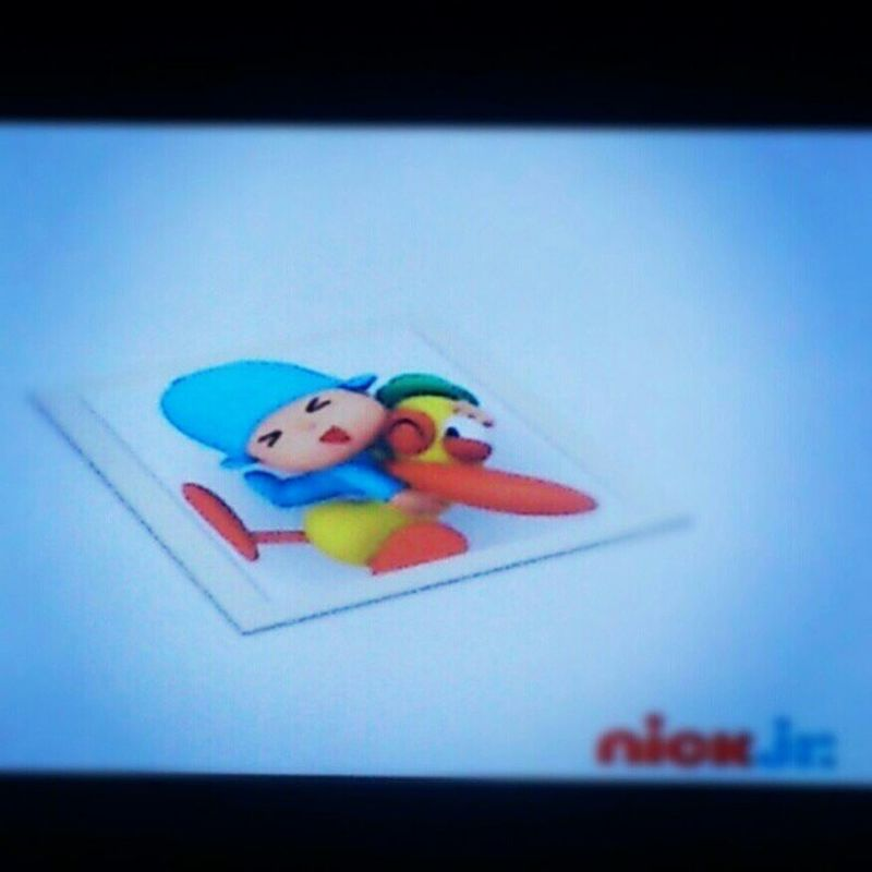 Helping teach life lessons via Pocoyo ;p Pocoyo Pato Nickjr Friendship duck stephenfry cool kidstv cute dude funny cheeky
