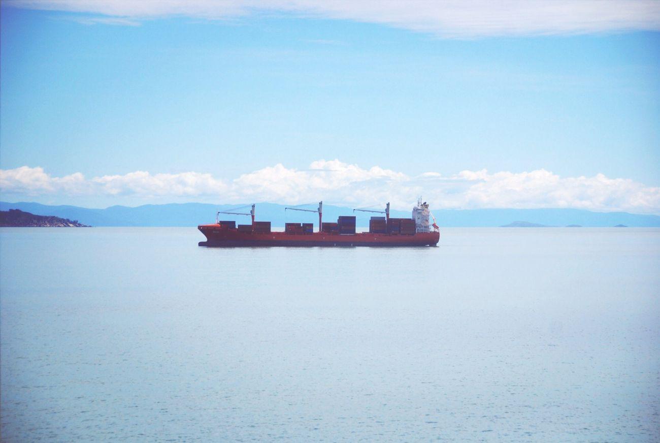 마치 구름 위를 떠 다니는 것처럼 Ship Sea