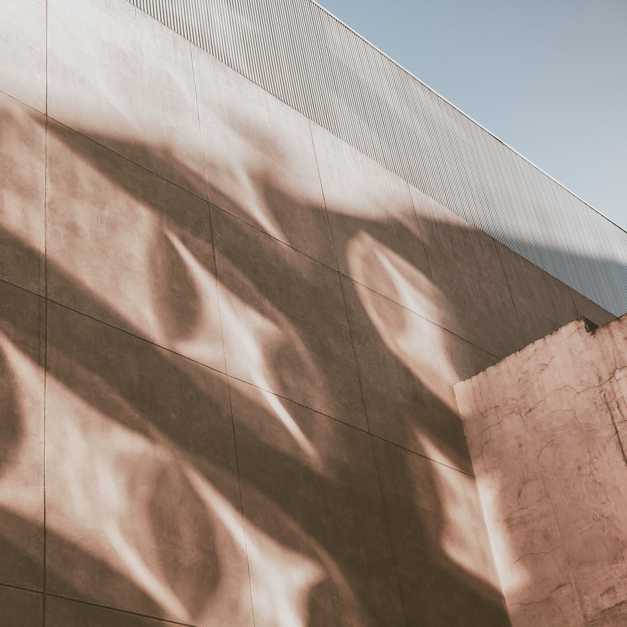 Hatoa Angular Clean Lines Day Geometric Architecture Light Shapes Minimalist No People Outdoors Reflection Sand Sunlight And Shadow Vanishing Point Wall - Building Feature