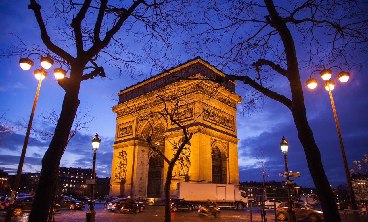 Busy Dawn Light Paris Pepole Quick Life Vs. Stand Still Rush Traffic Travel Destinations