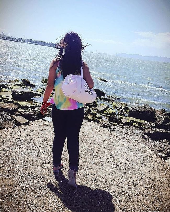Someone's too high to take a straight photo. 😂😂😂 Vanvanyauyau Vacation Me Backview Sea View Slanted California America Vacation Emeryville Travel
