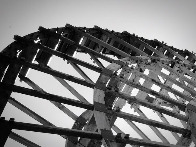 木のぬくもり。 Low Angle View Tall Monochrome Waterwheel Abstract Monochrome Photography