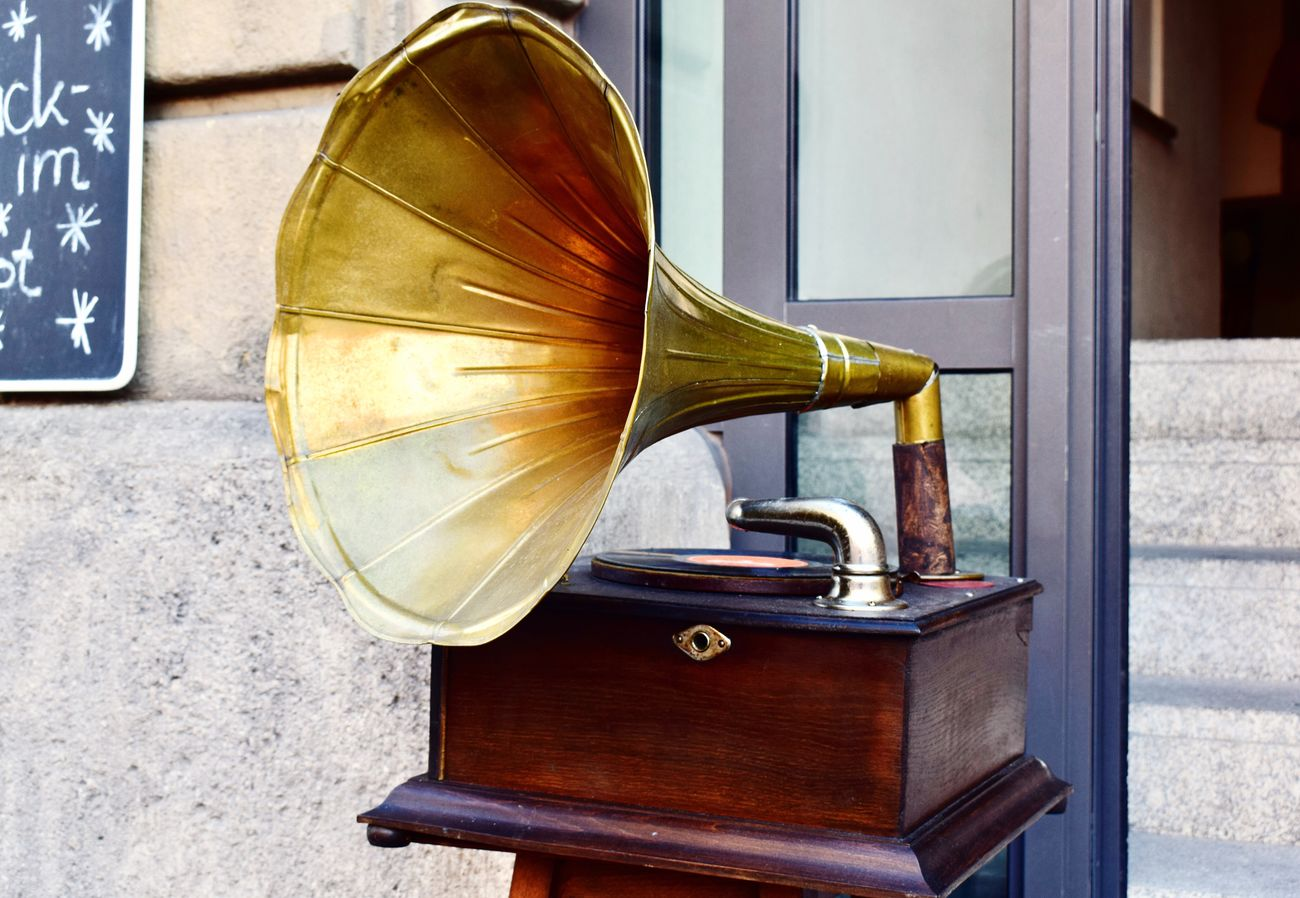 The Color Of Technology Musical Instrument Close-up Everyday Joy Gramophone Vintage Gold Youth Germany Fleemarket Oldschool Roaring Twenties Nikond3300 Europe Oldfashioned