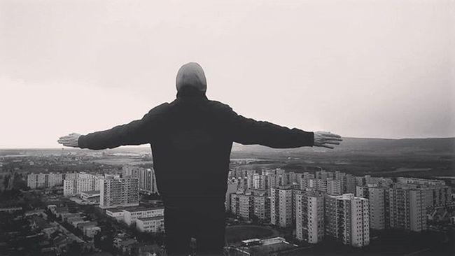 Over the world Trip Man Against City Citylife Cool Town Winner Devinska Devinskanovaves Blackandwhite Top Topoftheworld High Fly Littlebigtown Horizon Landscape Urbanism Buildings View Wide Scenery Slovakia Riodejaneiro