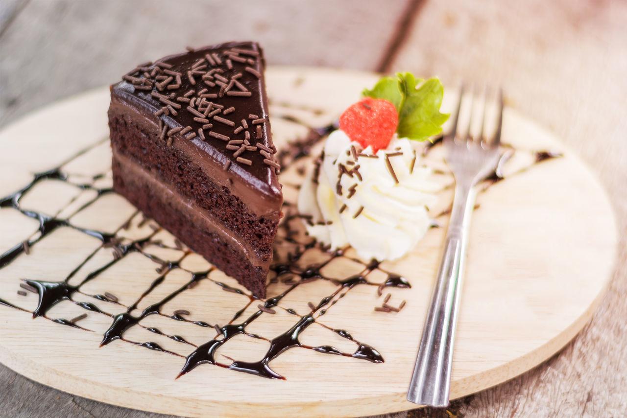 Beautiful stock photos of cake, Cake, Chocolate Cake, Close-Up, Cutting Board