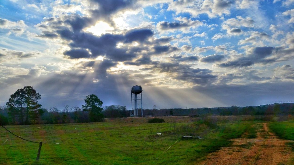 Skyviewers Taking Photos Sky_collection Mississippi Weather Cloudporn #skyporn #beautiful #bestskysever Mississippi  Sunrays Showcase March PhonePhotography Breaking Through