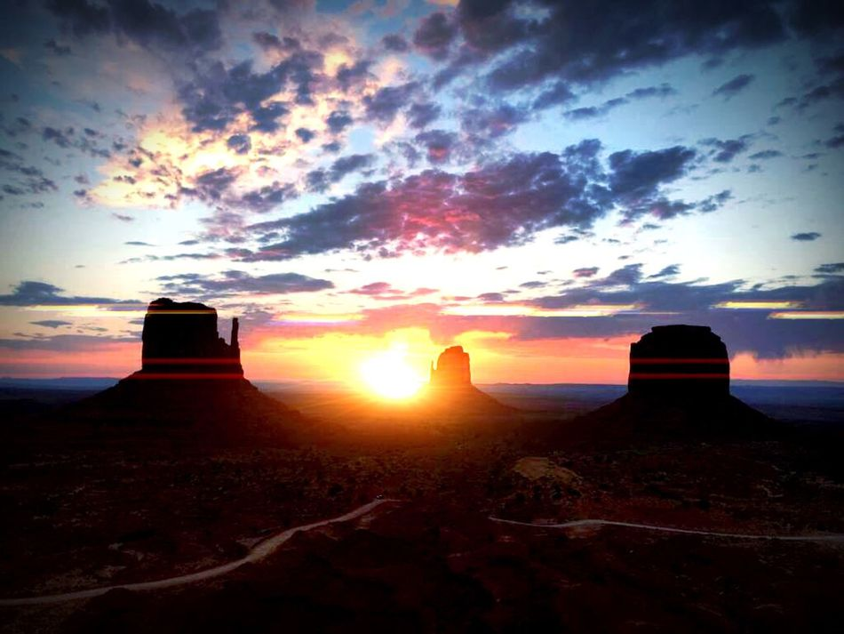 My Favorite Place Utah Scenery Utah Desert Utah Beauty Utah Sunrise Colorful Sky Morning Light Fierce Nature Tranquil Scene Landscape Cloudscape Myownphotography EyeEm Present Eyesee Monument Valley