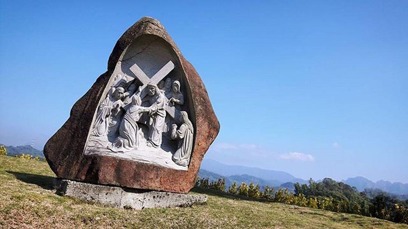 這裡充滿了聖經故事 在金陵山 山頂 921再往上走一段小山路 來台中 5年現在才來😆 圓滿教堂 霧峰