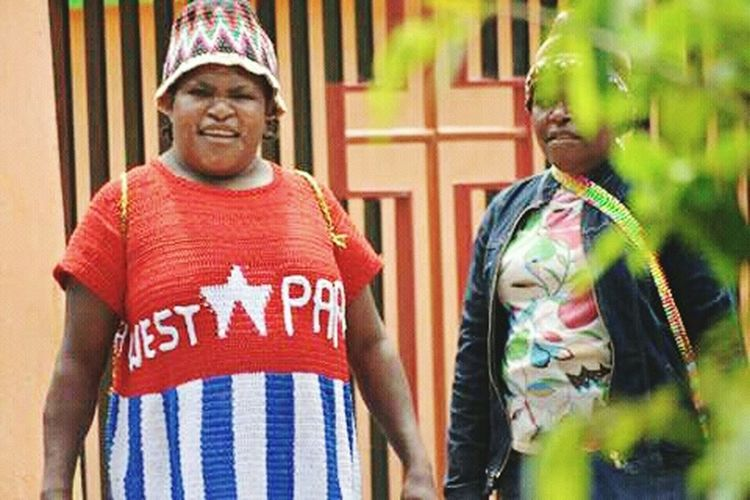West Papuan Mother. West Papua Culture Arts Culture And Entertainment Uniform Of West Papua Tradition West Papua People Papua Free Of Indonesia Colonial West Papua Want To Free Of Indonesia Colonial. West Papua Politic Of Freedom West Papua Flag Social Issues Countrylife Patriotism West Papua Girl West Papua Women
