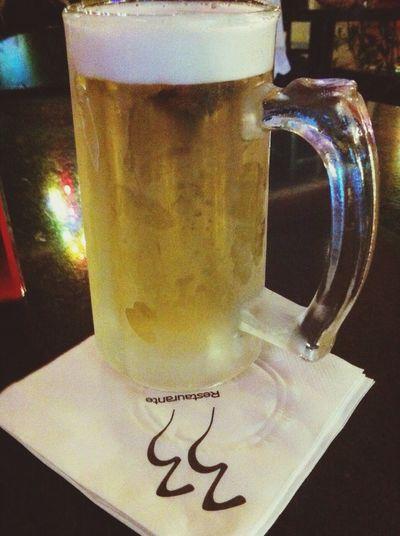 Aguardando os amigos, enquanto isso Chopp 33 Happyhour Cerveja
