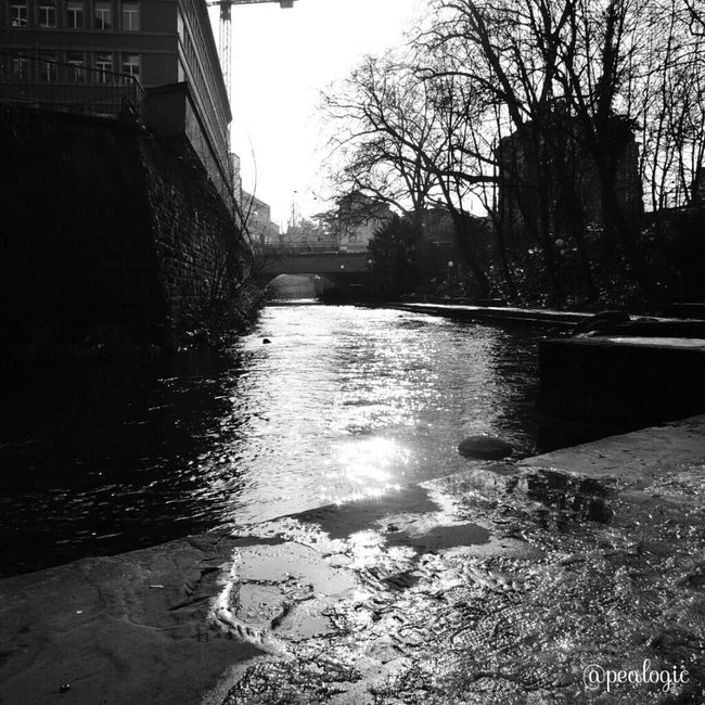 Hanging Out Water Urban Blackandwhite Bws_worldwide Eye4photography  Ee_daily Bwstyles_gf Bwsquare Bwstyleoftheday Ic_bw Bws_artist_eu EE_Daily: Black And White Ic_water