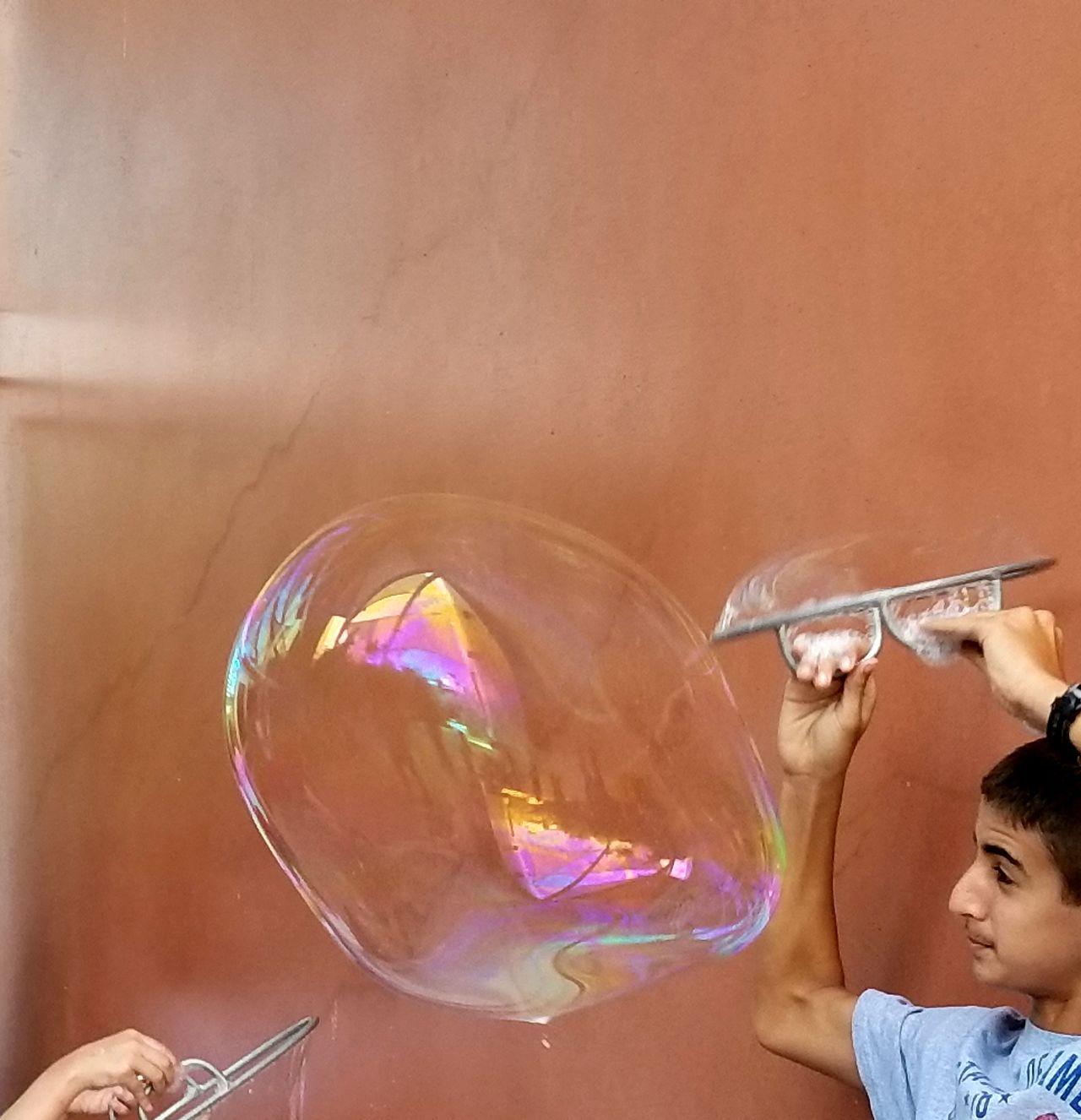 Playing With Soap Bubbles Bubble Huge Bubble Playing Child Playing With Bubbles Childrens Museum Doseum San Antonio, Texas Expressions EyeEm Best Shots EyeEm Selects EyeEmBestPics The Week On EyeEm
