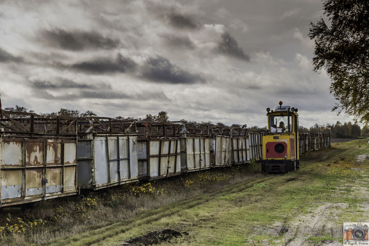 Day Moor Train Moored Nature Nikon Nikon D5500 Nikon D5500 Inner Structure Model Nikonphotography Nikor Nikor18-55mm No People Outdoors Peat Peat Train Sky Tamron Tamron 70-300 Tamron Lens Train Train - Vehicle Train Station Trainphotography Trainstation