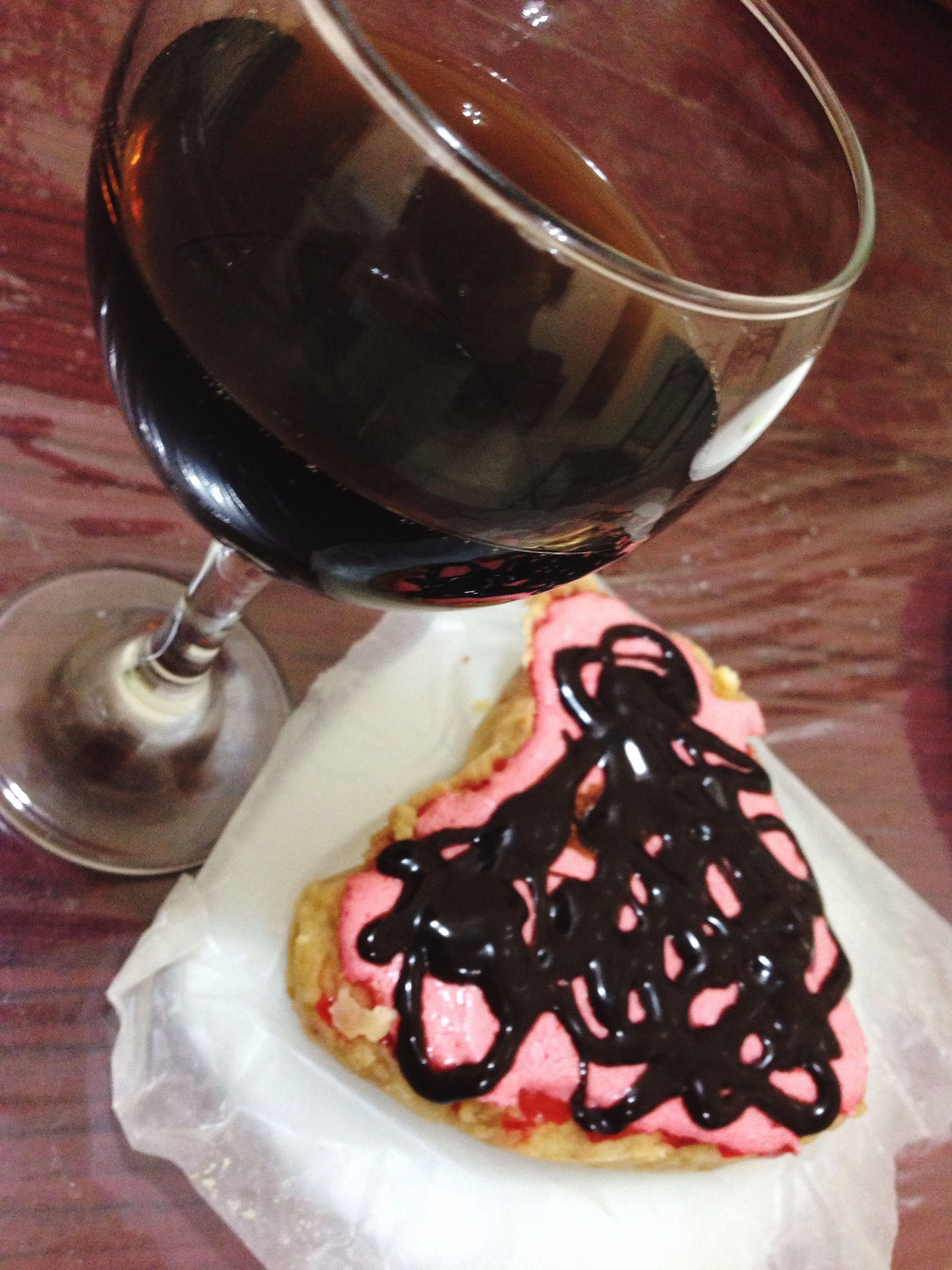 Coz i crave it, so i bAke it:-) Puddingwithchocolatesyrup Pepsi Yummy