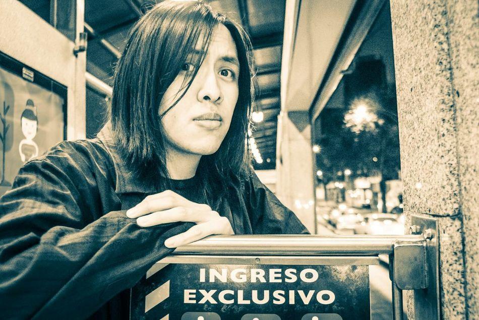 El ultimo de la noche Metrobus Dev Cumbres Exclusive Man Night Photography Urban Foto: Gustavo GS