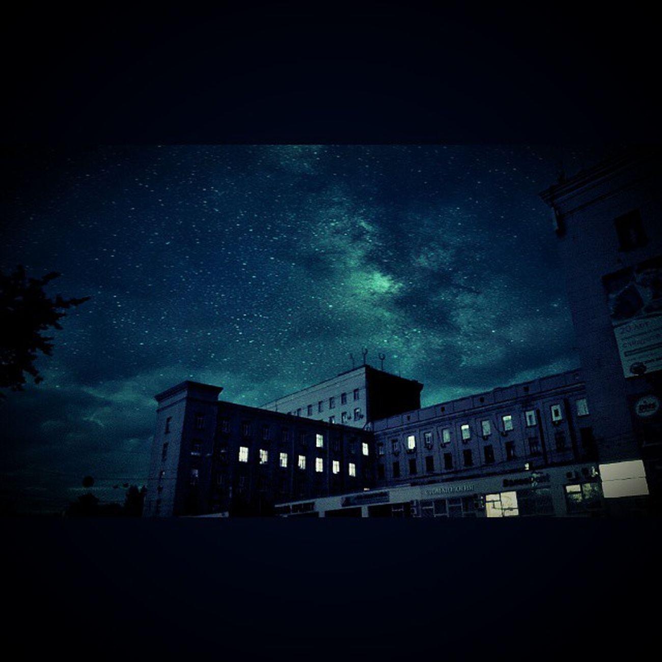 Rostov Rostovondon Havingfunwith Camera360 starrynighteffect building tree РостовНаДону Ростов звездыночь небо ворошиловский здание дерево дурачусьсфотошопом ?
