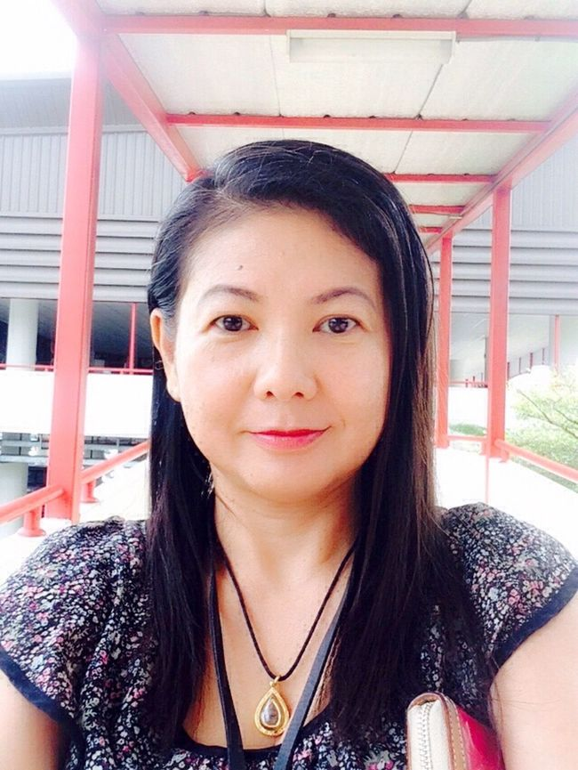 Ampai Jangbumrung 🏌 Good Morning Hello World Tgif Portrait Of A Woman Smile Selfie ✌ Self Portrait Faces Of EyeEm Elegance Everywhere