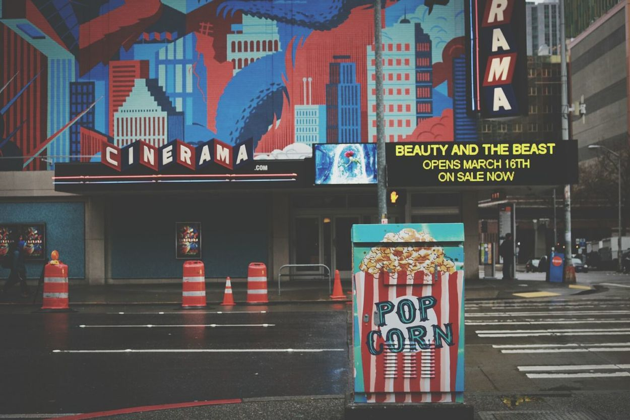 Cinerama City Red Building Exterior Travel Destinations No People Outdoors Cinerama Movies Popcorns Pop Street Art Popcorn🌽👌 Banner - Sign Architecture Multi Colored EyEmNewHere The City Light