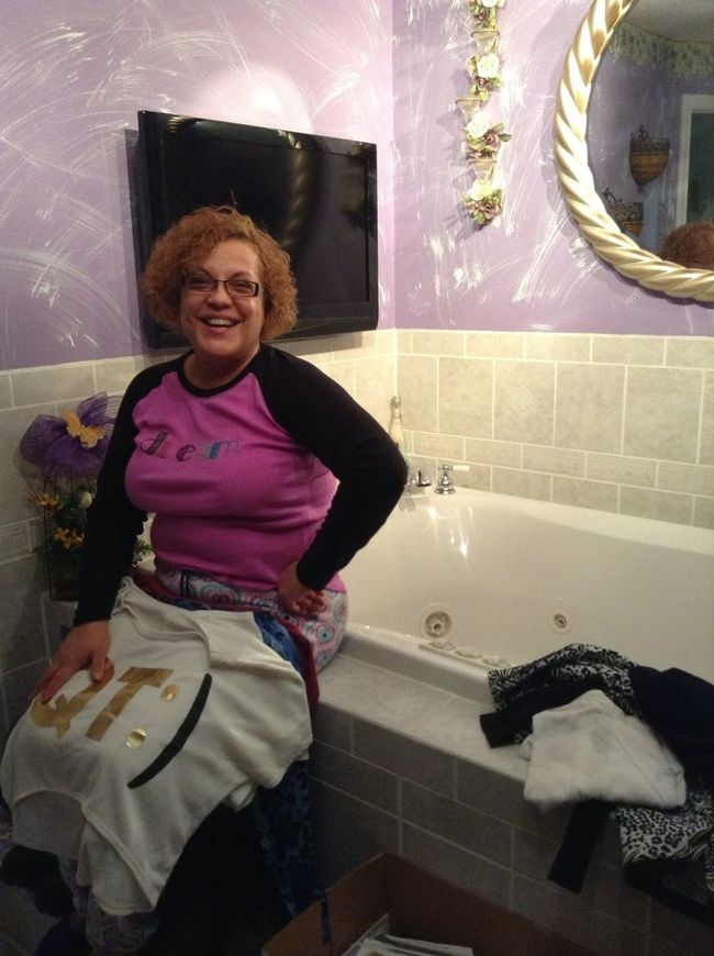 My Aunt <3 With Her Bathtub :)