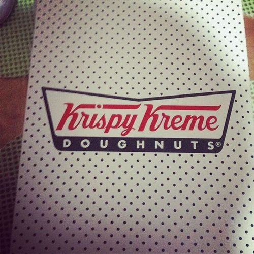 Krispy Kreme on table baby. Hahahaha. Thank you Tita! ??? KrispyKreme Dinner Yummy Tita treat